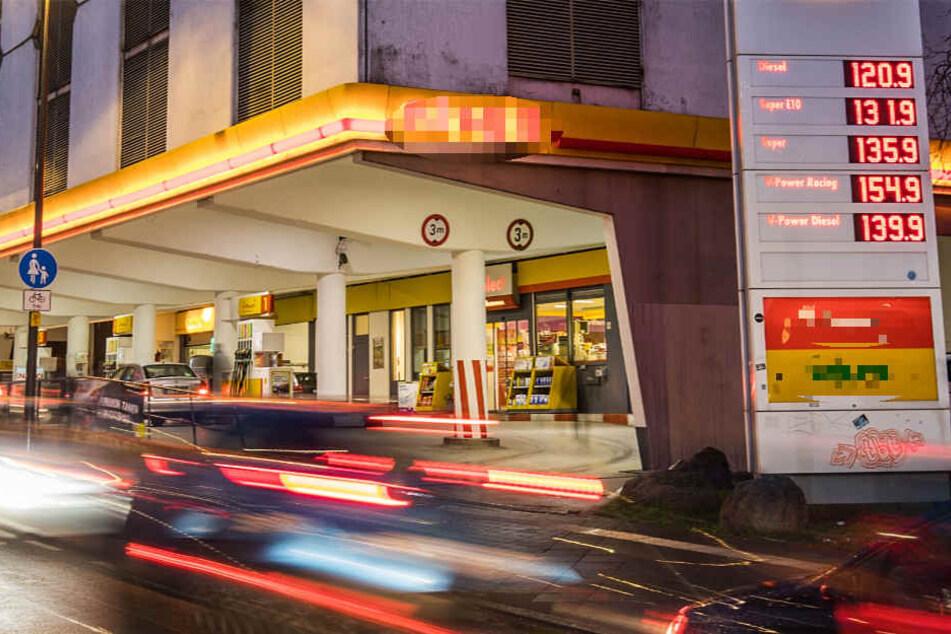 Der Überfall ereignete sich gegen 21 Uhr unweit der Tankstelle (Symbolbild).