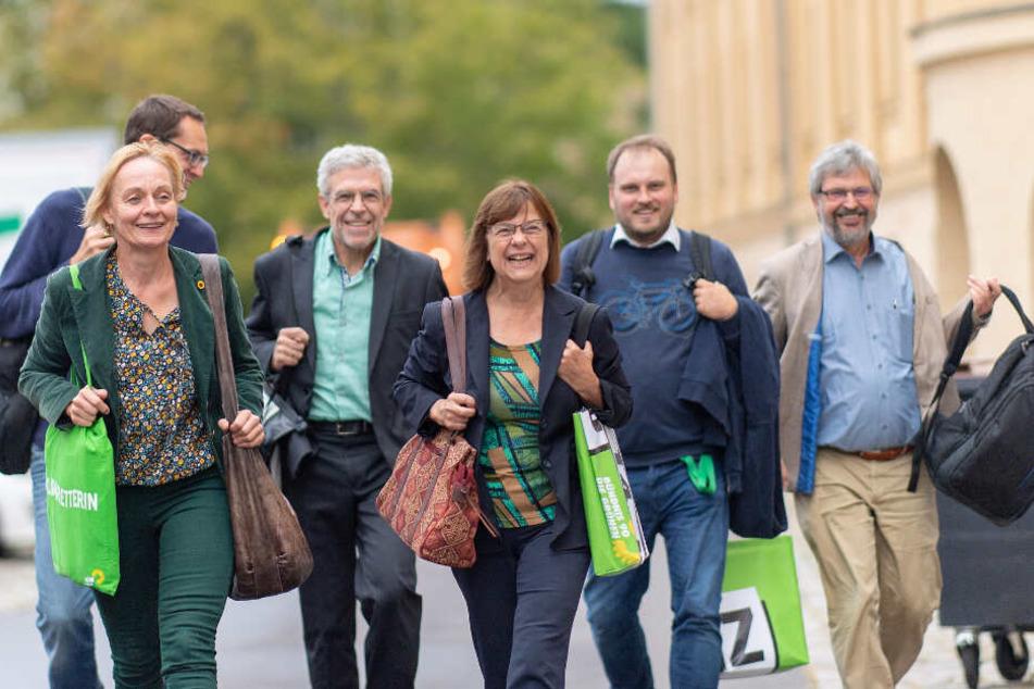 Vertreter der Partei Bündnis 90/Die Grünen kommen zu den Sondierungsgesprächen über eine mögliche Koalition mit der SPD und CDU.
