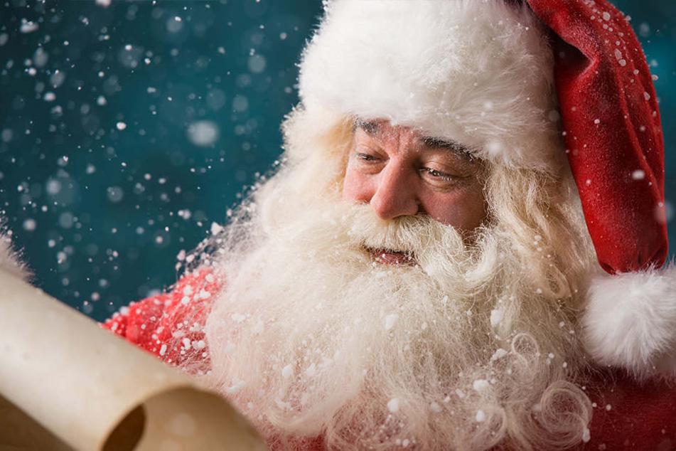 Chemnitzer Kinder können den Rauschebart treffen. Dazu müssen sie ihm einen Brief schreiben. Das Weihnachtsmannbüro im Rathaus ist geöffnet.