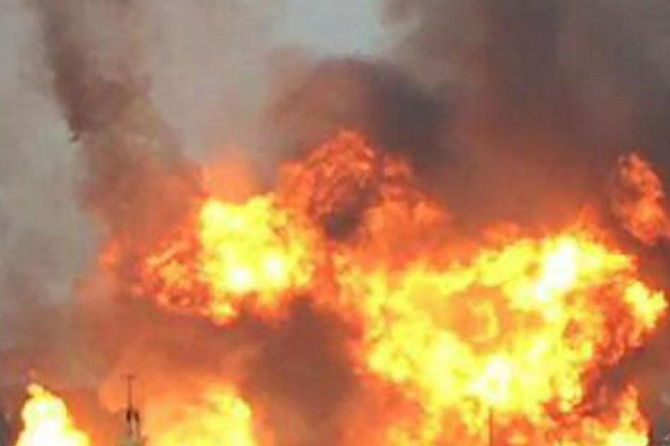 Bei einer schweren Explosion in einer portugiesischen Feuerwerksfabrik sind mindestens vier Menschen ums Leben gekommen.