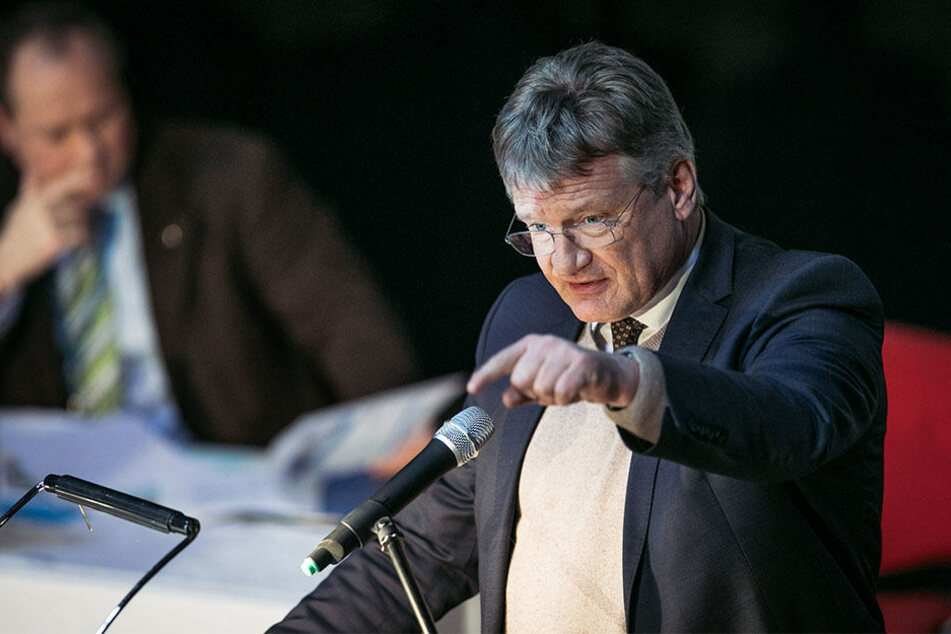 Der Bundesvorstandssprecher Jörg Meuthen spricht am 3. Februar 2018 auf dem Landesparteitag der Alternative für Deutschland (AfD) in Hoyerswerda.