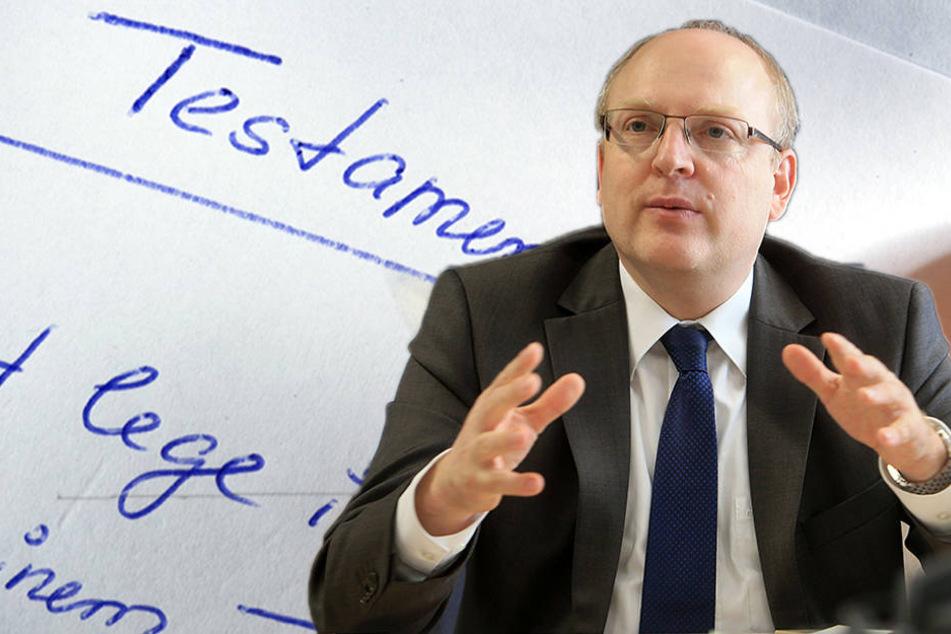 Kämmerer Sven Schulze (45, SPD) kann sich auch über ein paar geerbte Euro freuen.