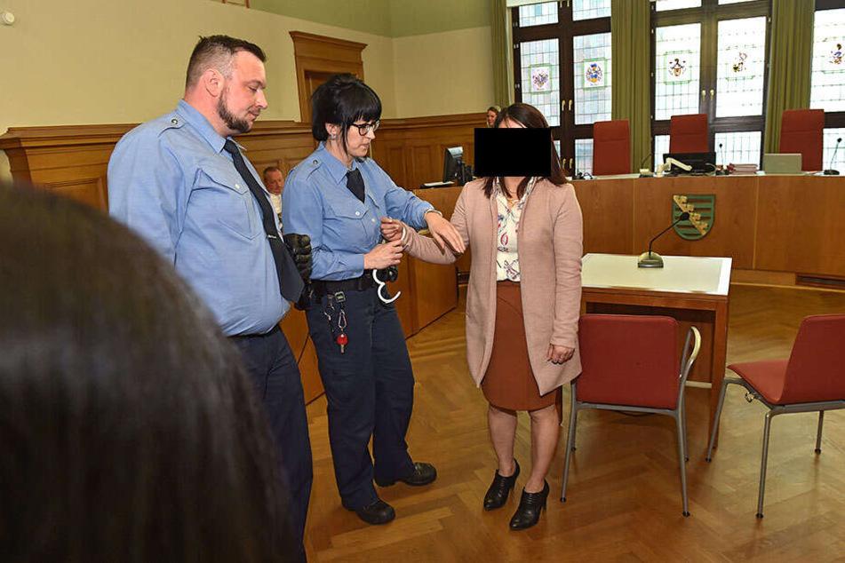 Überraschende Wendung: Seine Ex-Lebensgefährtin (30) wurde noch im Gerichtssaal wegen Falschaussage festgenommen.