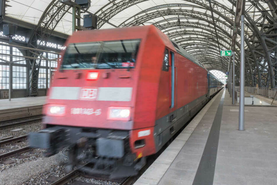 Wieder in unter zwei Stunden mit der Bahn von Dresden nach Berlin. Wann die  alte Dresdner Bahn erneut durchgängig befahrbar ist, steht aber noch in den  Sternen.