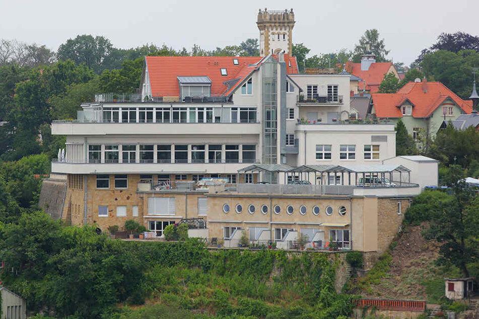 """Seit fast 125 Jahren lockt der """"Luisenhof"""" in Loschwitz Ausflügler mit Speis und Trank samt Gratis-Aussicht."""