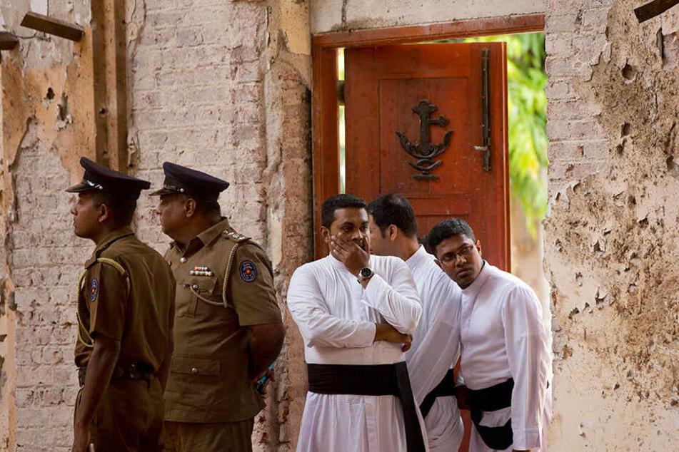 Nach dem blutigen Ostersonntag stehen viele Menschen in Sri Lanka unter Schock und Anspannung. Das Entsetzen über die verheerenden Selbstmordanschläge ist groß - nicht nur im Land.