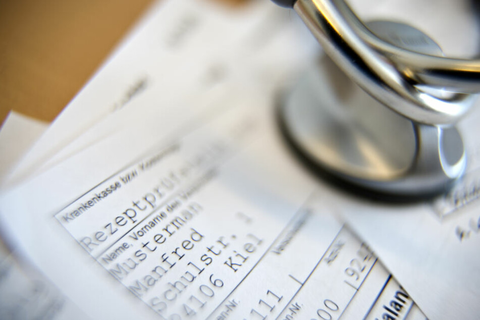 Statt die Narkosemittel mit der Krankenkasse abzurechnen, verlangte er das Geld privat vom Patienten. (Symbolbild)