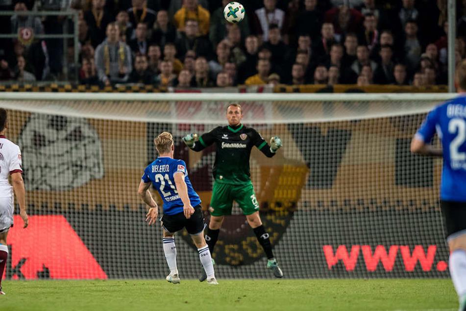 In der 80. Minute nahm Andreas Voglsammer ein Geschenk der Dresdner dankend an und netzte zum 1:0 ein.