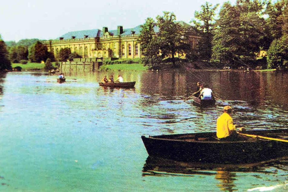 Kahnfahrtidylle in den 60er Jahren: Vor dem Haus der Körperkultur legten sich  die Chemnitzer gern in die Ruder.