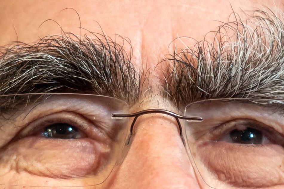 Theo Waigel ist vielen durch seine buschigen Augenbrauen in Erinnerung geblieben.