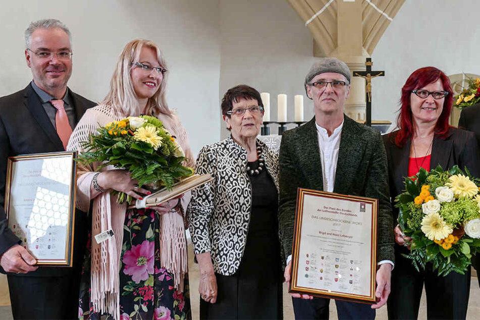 Markus und Susanna Nierth (li.), sowie Horst und Birgit Lohmeyer (re.) mit der ehemaligen Bundestagspräsidentin Rita Süßmuth (CDU), die die Laudatio hielt.
