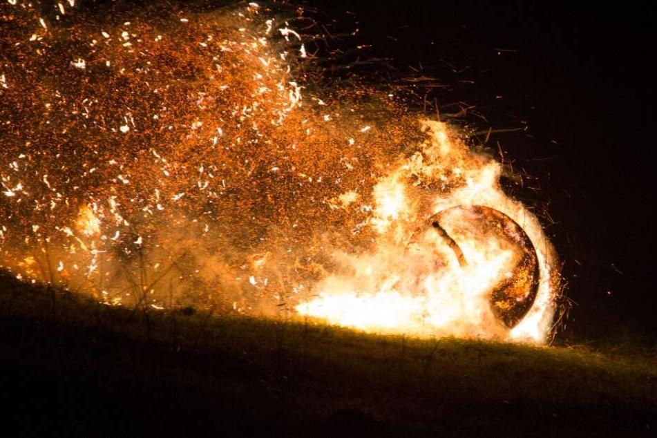 Ein Geschoss aus Feuer und Stroh: Diese flammende Oster-Tradition ist Weltkulturerbe