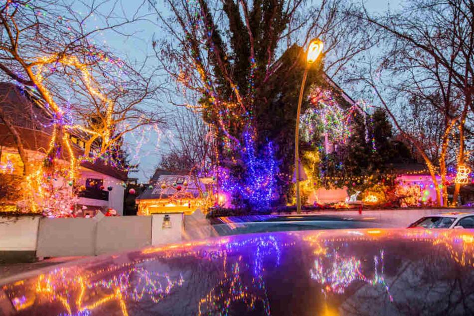 Weihnachtsbeleuchtung Xxl.Unzählige Lichter Dieses Weihnachtshaus Ist Der Wahnsinn Tag24