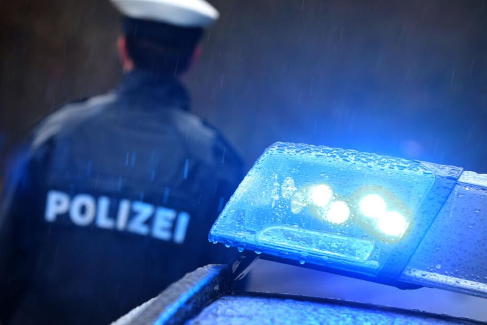 Die Polizei ermittelt weiter bezüglich der Vergewaltigung. (Symbolbild)