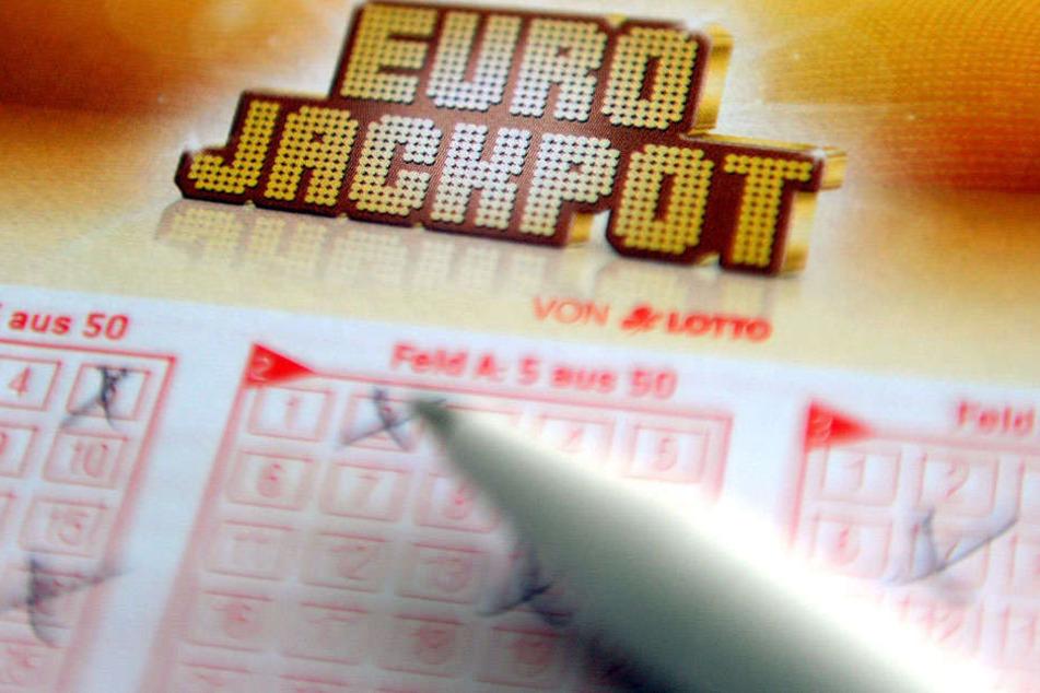 Eine Computerpanne sorgt für reichlich Probleme für Lottospieler am letzten Samstag des Jahres.