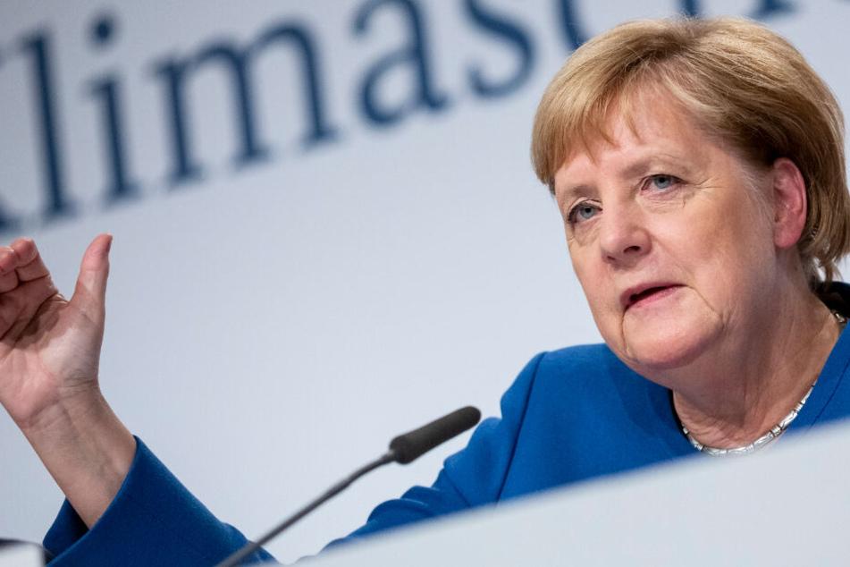 Angela Merkel in Sinsheim auf Klimawandel-Entdeckungstour