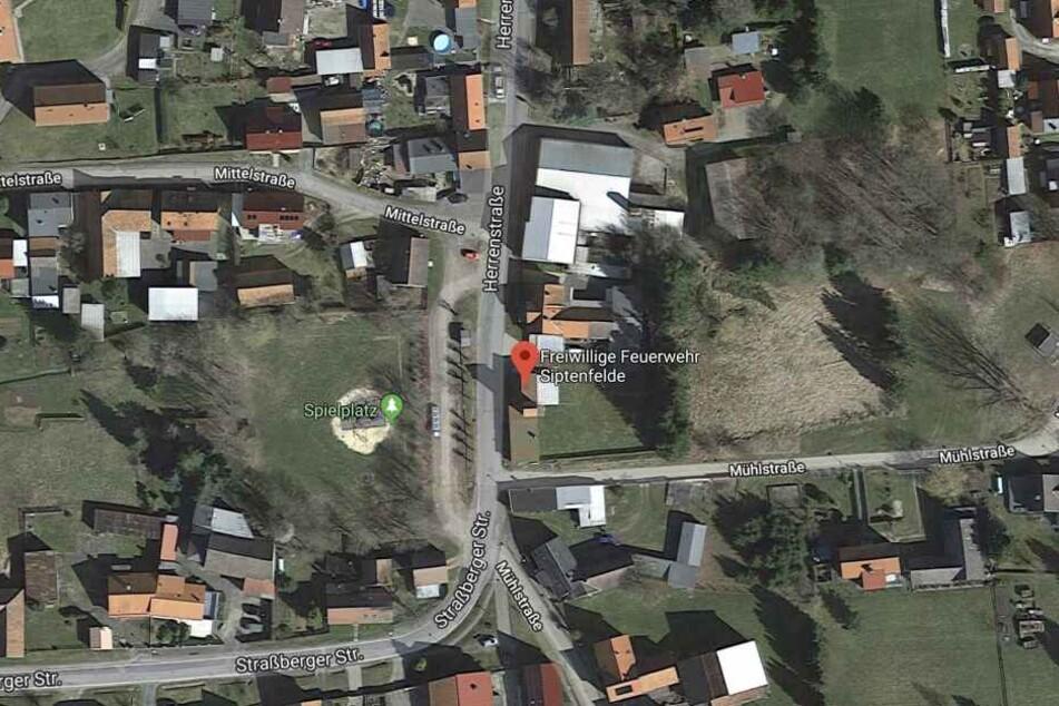 Der Privatwagen wurde vorm Feuerwehrdepot in der Herrenstraße in Siptenfelde (Harz) gestohlen.