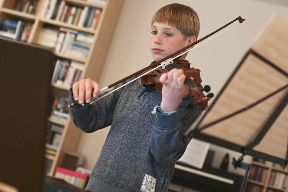 Spielen vor dem Bildschirm: So üben Musikschüler im Lockdown