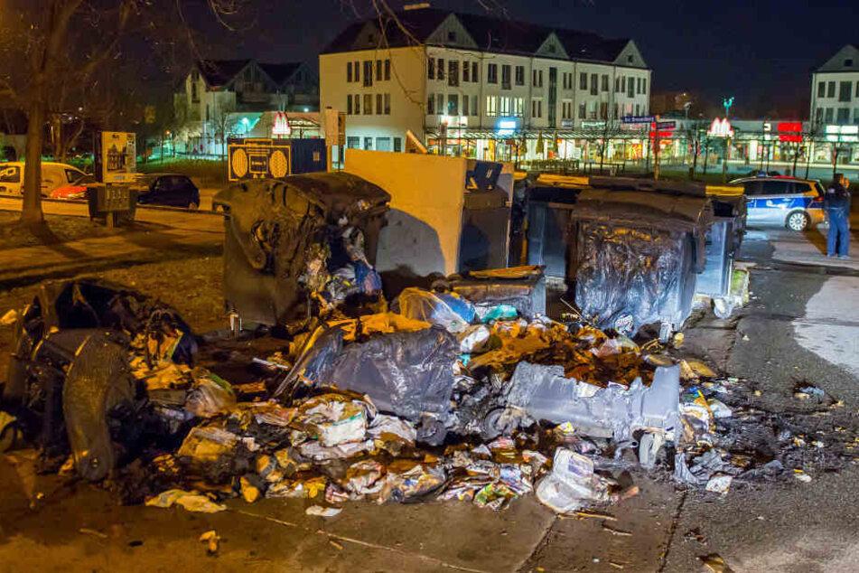 Am Erfurter Drosselberg gingen mehrere Mülltonnen in Flammen auf.