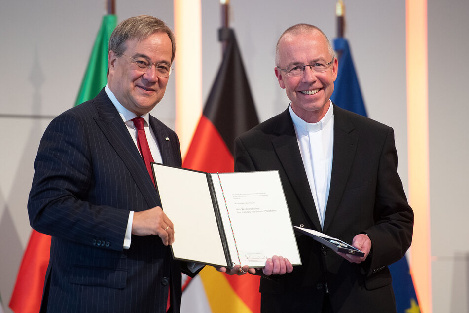 Pfarrer Peter Kossen erhielt den Landesverdienstorden ebenfalls.