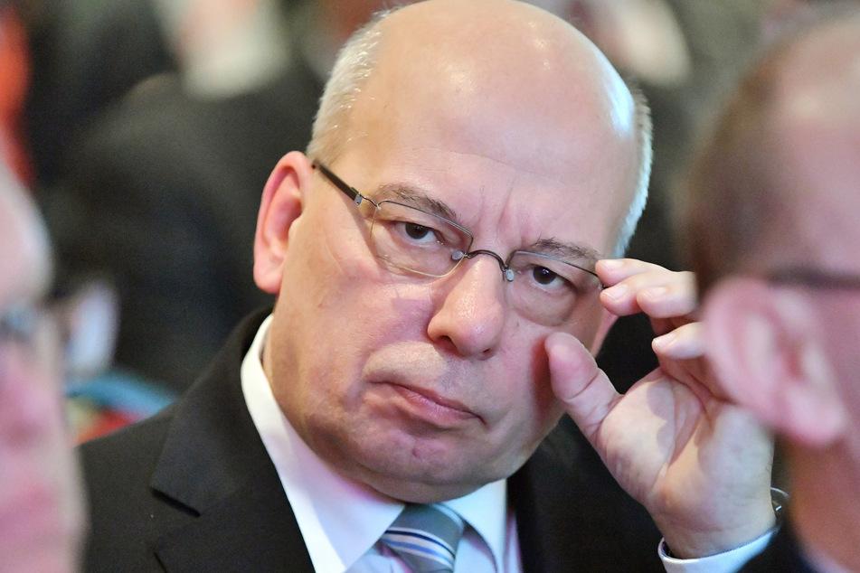 Rainer Wendt, Chef der Deutschen Polizeigewerkschaft, äußert seine Meinung zu den Ausschreitungen in Berlin und Leipzig.