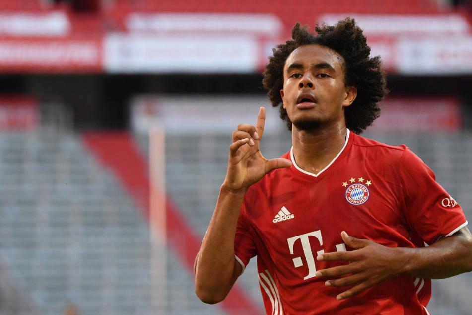 Joshua Zirkzee jubelt über seinen Treffer zum 1:0 für die Bayern.