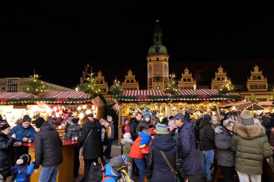Bereits am ersten Wochenende des Leipziger Weihnachtsmarktes verzeichnete das neue elektronische Besucherzählverfahren einen Ansturm.