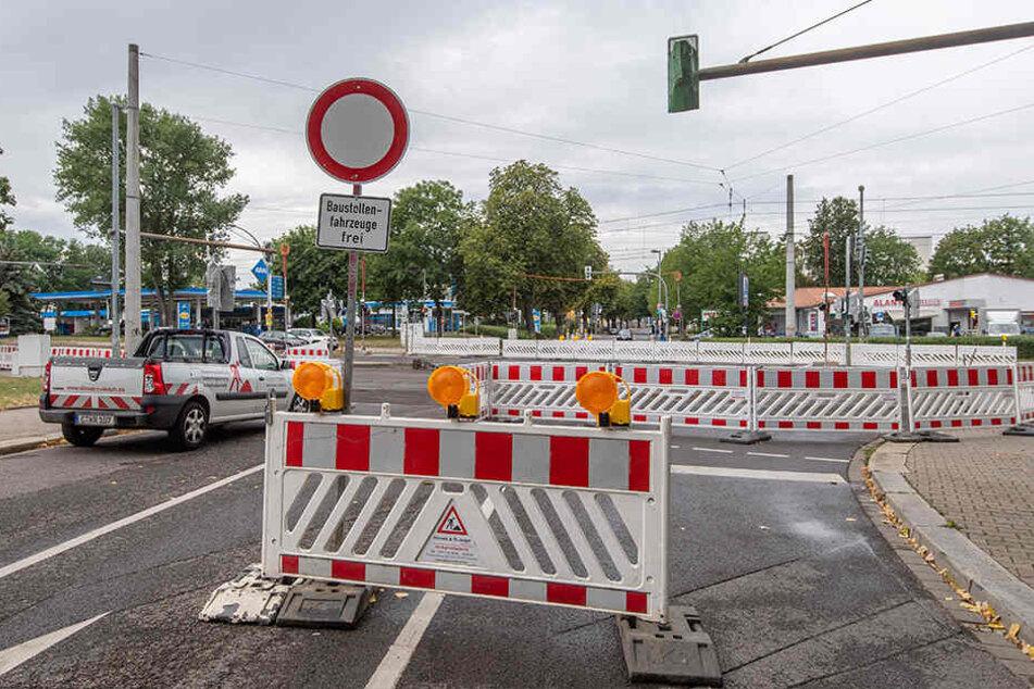 Doppelte gebaut wird auf der Annaberger Straße. Zwischen Erdmannsdorfer Straße und Rößlerstraße wird die Fahrbahn erneuert (bis 16. August). Vollsperrung herrscht zwischen Klaffenbacher Straße und Alte Harth (bis 30. August).