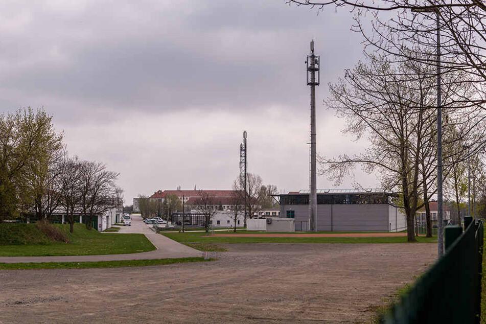 """Das """"Gemeinsame Kompetenz- und Dienstleistungszentrum"""" wird bei der Bereitschaftspolizei in Leipzig, der Nebensitz in Dresden angesiedelt."""