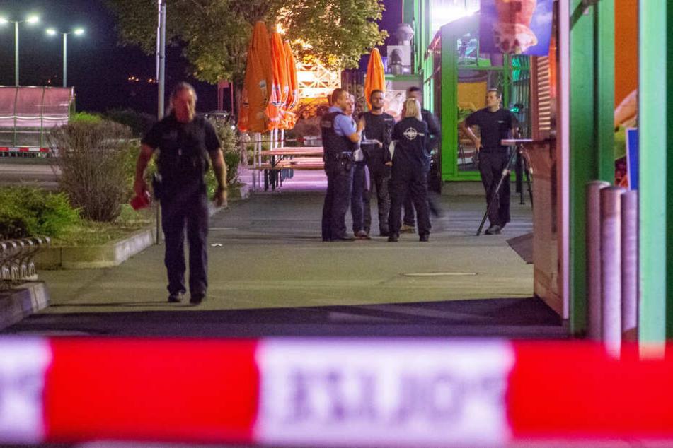 Die Polizei ist vor Ort, hat den Tatort abgesichert.