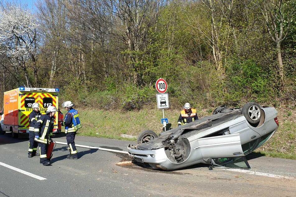 Auto überschlägt sich auf der A3: Vier Verletzte