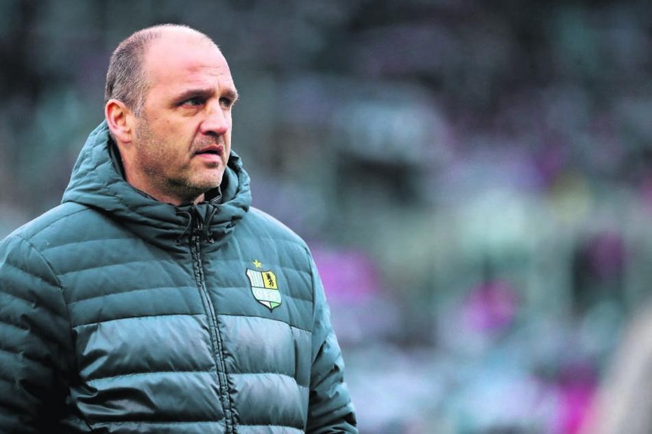 Steffen Ziffert gönnt sich keine Pause. Der Sportdirektor muss sich um neues Personal kümmern, damit es im neuen Jahr endlich aufwärts geht beim CFC!
