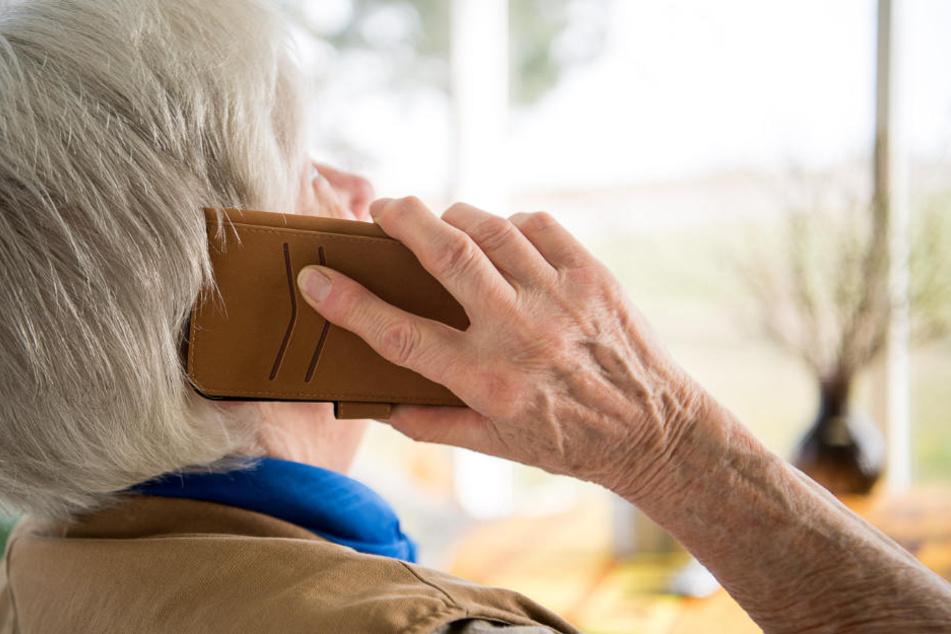 In Deutschland werden vermehrt Senioren Opfer von Betrügern. (Symbolbild)