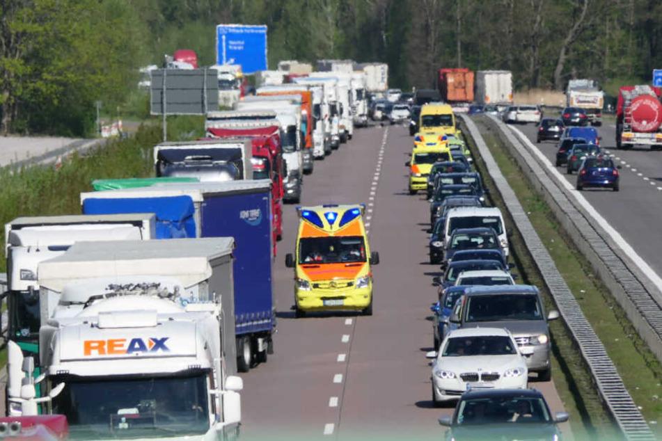 Ford kracht auf Transporter: Wieder Stau auf der A14