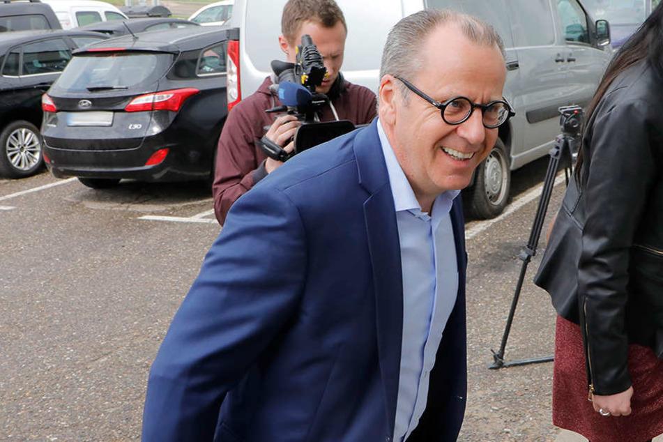 Insolvenzverwalter Klaus Siemon auf dem Weg zum CFC.