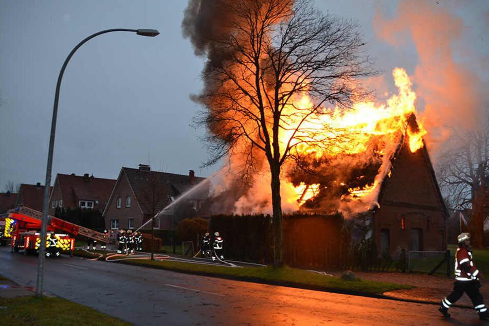 Seit Anfang des Jahres brannten in Wittenberge bereits 25 Häuser. (Symbolbild)