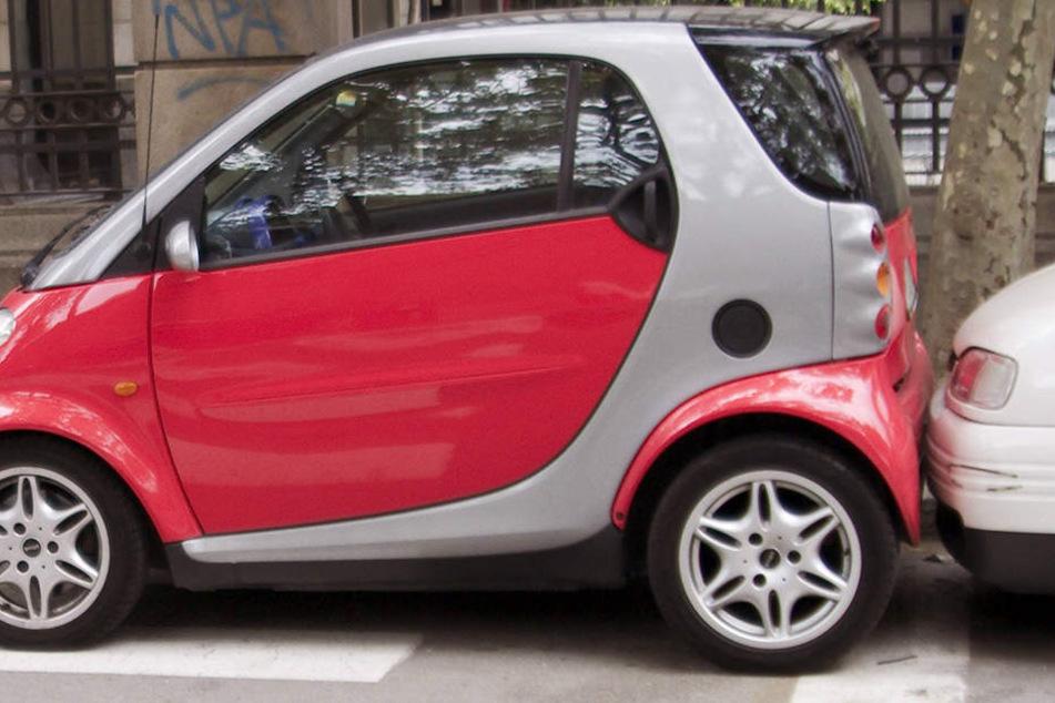 Nimm dich in Acht vor Hilfe... Ein Smart ForFour wurde beim Einparken in Berlin geklaut.
