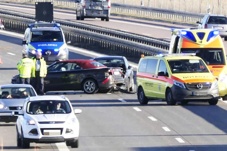 Ein Autofahrer fuhr auf ein Stau-Ende auf.