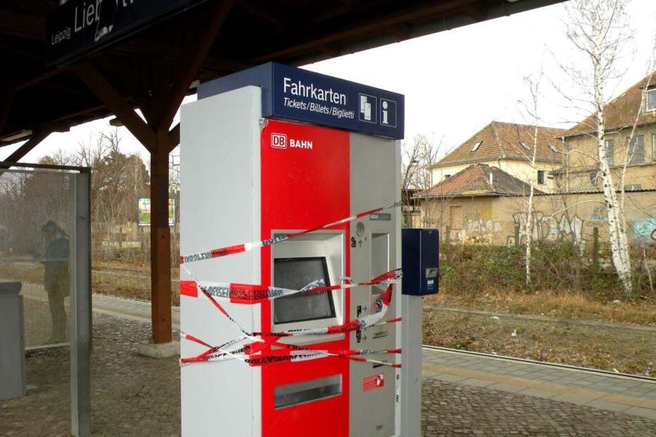 Am Freitag versuchten Unbekannte den Automaten mithilfe von Pyrotechnik zu knacken.