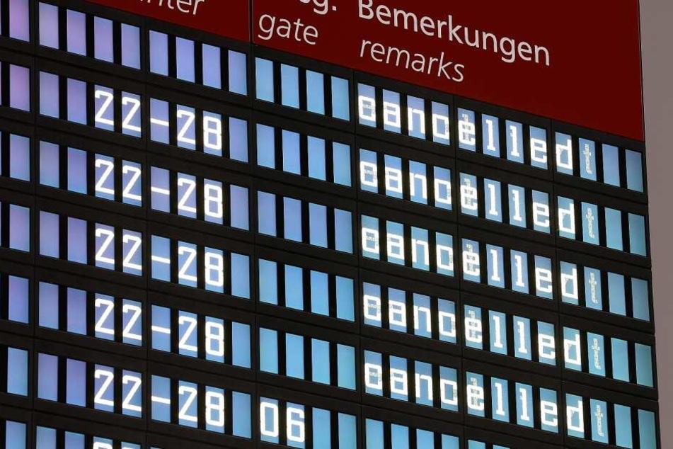 Von 46 geplanten Verbindungen, fallen in der Landeshauptstadt 28 Flüge aus.