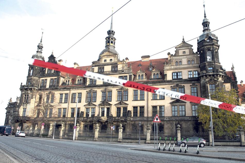 Schätze im Wert von mindestens 113,8 Millionen Euro wurden vor zwei Jahren aus dem Grünen Gewölbe entwendet - und sind noch immer weg.