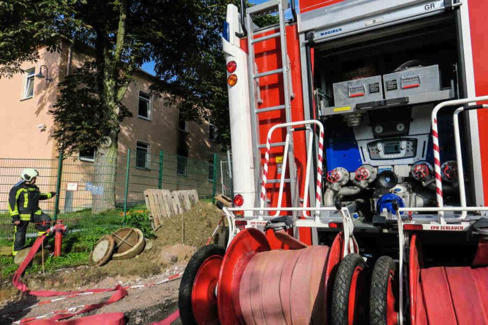 2017 musste die Feuerwehr auch zur Unterkunft in die Siedlerstraße ausrücken. (Archivfoto)