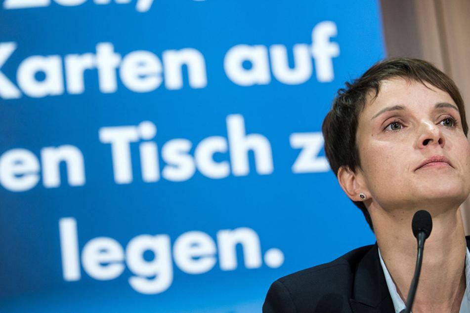 Frauke Petry (42) droht Ungemach auf dem Kreisparteitag.