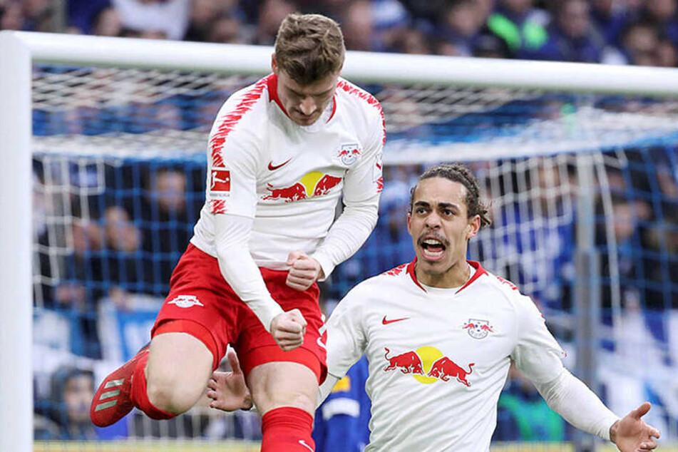 Erzielte das zwölfte Tor in seinem 23. Bundesligaeinsatz: Timo Werner (l., hier beim 1:0-Jubel mit Yussuf Poulsen).
