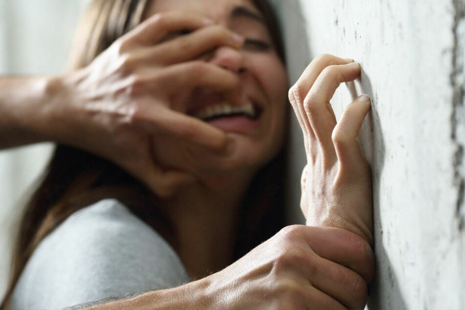 Eine Frau in Indien hat ihrem mutmaßlichen Vergewaltiger den Penis abgeschnitten.