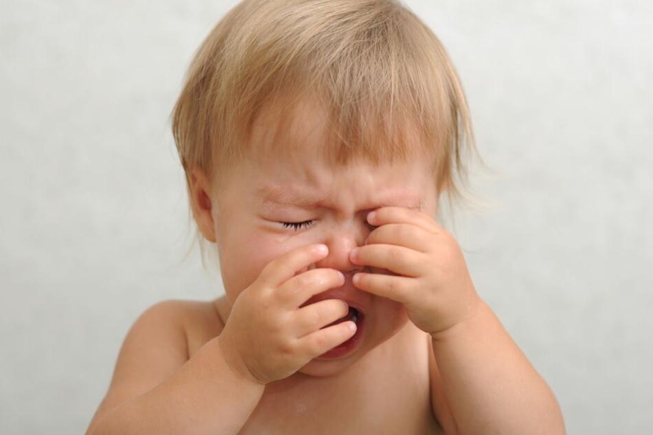 Das Kind soll schwer verletzt im Krankenhaus angekommen sein. (Symbolbild)