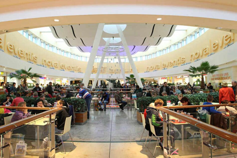 Vor den Toren Leipzigs befindet sich das Nova Eventis - ein Einkaufszentrum mit 180 Geschäften. Nebenan ist zudem IKEA.