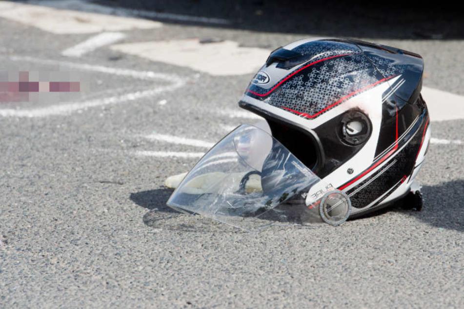 Ein Motorradfahrer ist in Adelshofen tödlich verunglückt. (Symbolbild)