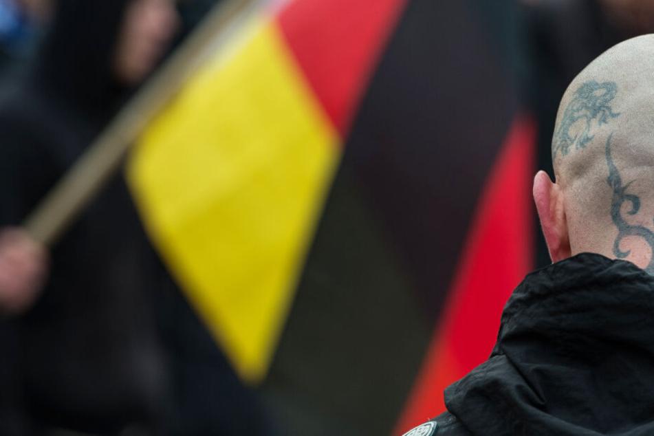 """Rechtsextreme """"Feuerkrieg Division"""" auch in Deutschland: Mann in U-Haft!"""