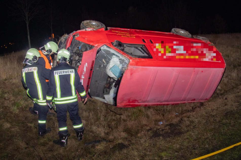 Unfall auf der S94: Auto kracht gegen Transporter, zwei Verletzte